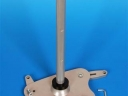 Část stropního držáku UCM-07 při montáži